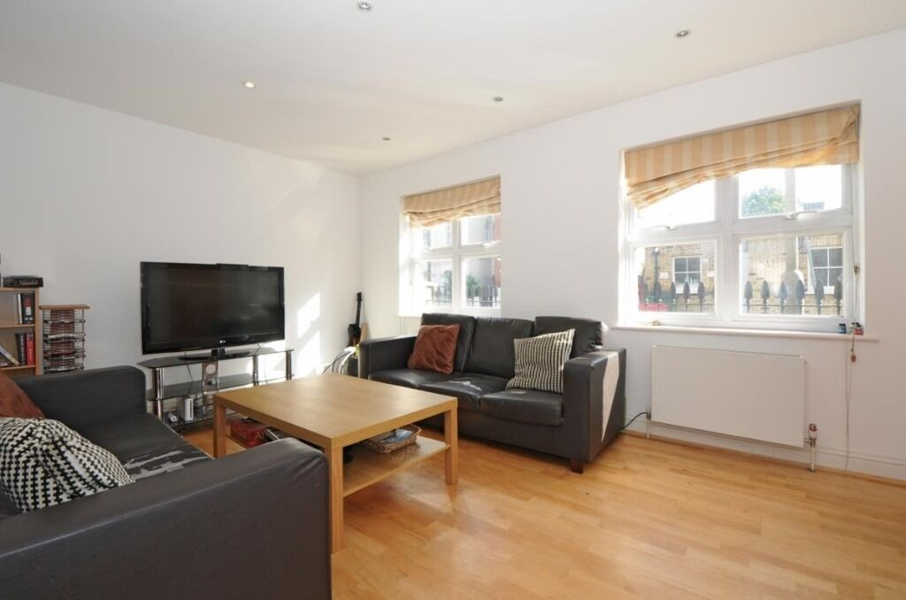 A bright and spacious three bedroom semi detached modern house, Mexfield Road, SW15