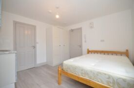 Large studio flat in the heart of Catford Only £825 PCM. All Bills included