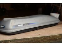 Thule roof box (Long & thin style)