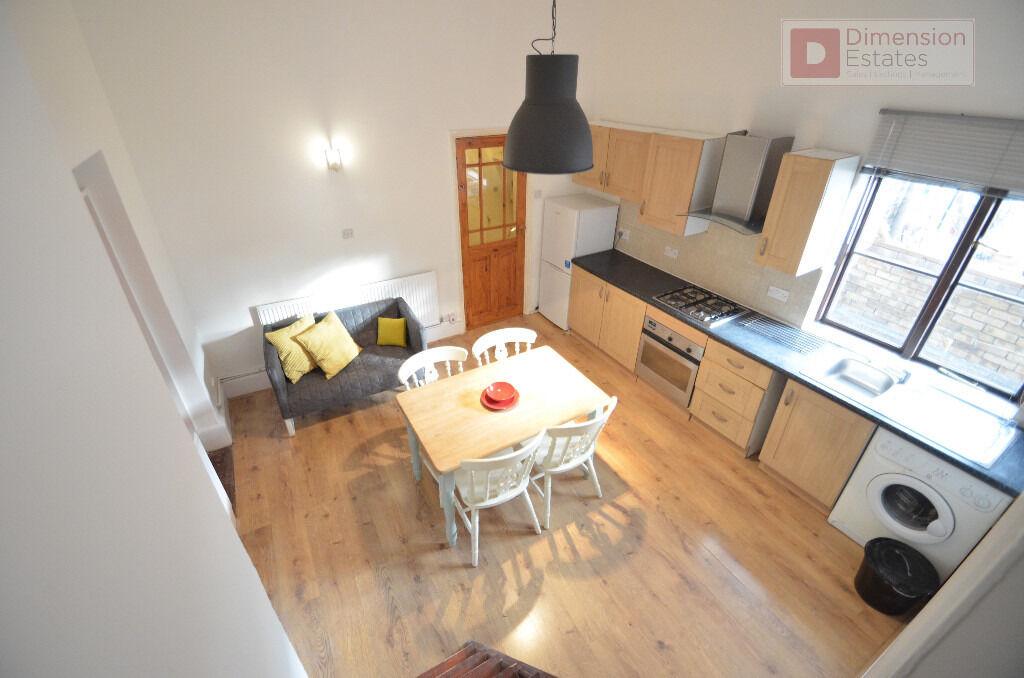 Unique Georgian flat 1 Double Bedroom 1 Study Room 1 Mezzanine Room - London Field Park - Hackney E8