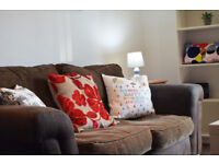 Cozy 2 Bed Serviced Flat close to centre with dedicated parking suitable for short and long stay