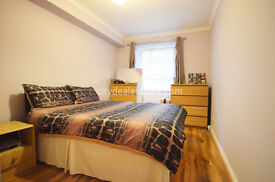 W4: Stunning 1 bedroom flat in Chiswick with allocated off-street parking space