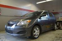 2010 Toyota Matrix BASE / AUTO / AIR / GRIS