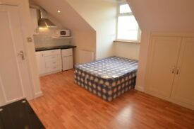 *STUDIO FLAT TO RENT IN EALING BROADWAY AVAILABLE IN MAY*