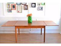 Fantastic Vintage Danish 'Mobler' extending teak table. Delivery. Modern / Midcentury.