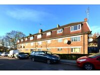 Beautiful purpose built 2 bedroom apartment to rent in Cricklewood