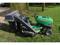 John Deere Sabre model 1538SH with Collector