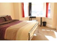 Double Bed in Bright Rooms For Rent in House With Garden Near Kensal Green