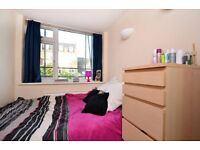 Spacious 4 Bed Flat in Shadwell With Massive Room&Modern Kitchen*Wid Excellnt Local Amenities Avail*