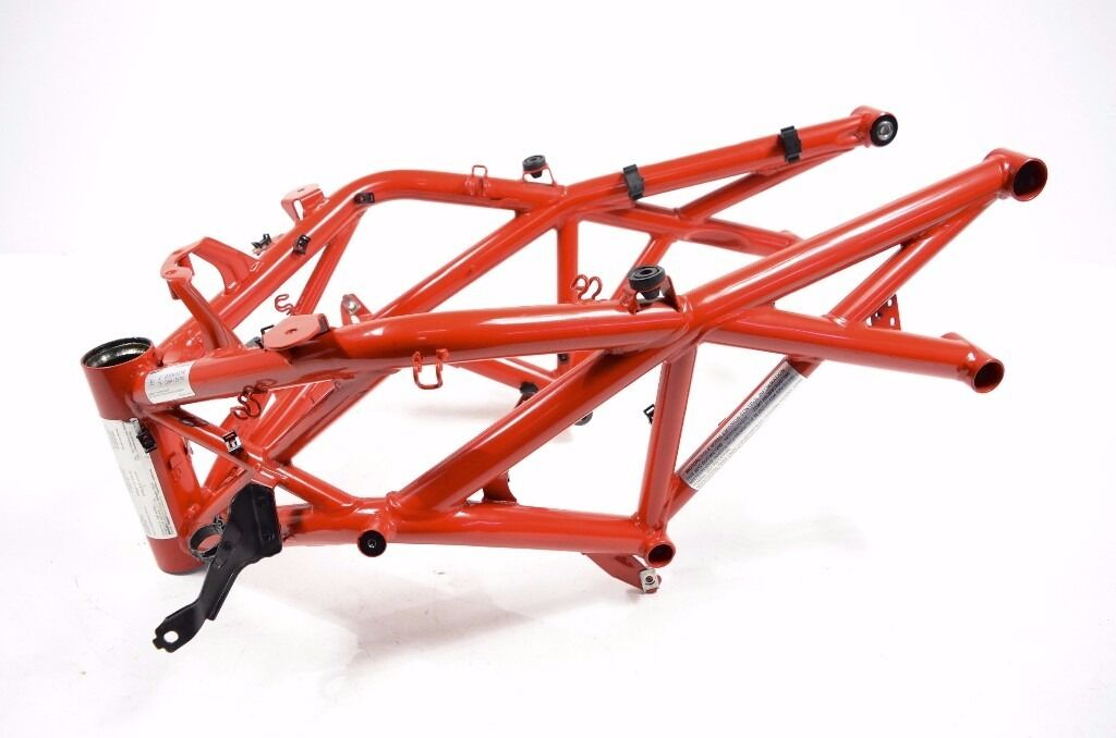 2011 Ducati Diavel Carbon Frame And V5 Red Rare In