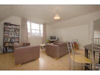2 bed top floor conversion flat, Kirkstall Road, SW2 £1375 per month