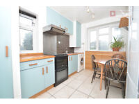 Gorgeous 3 Bed Flat in Stoke Newington N16 area