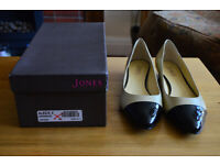 NEW Jones the Bootmakers ladies Court shoes Size 6 euro 39