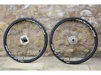 2017 MAVIC AKSIUM DISC ROAD BIKE WHEELS. SHIMANO/SRAM. CENTRE-LOCK. NEAR MINT. +TYRES/DISCS/CASSETTE