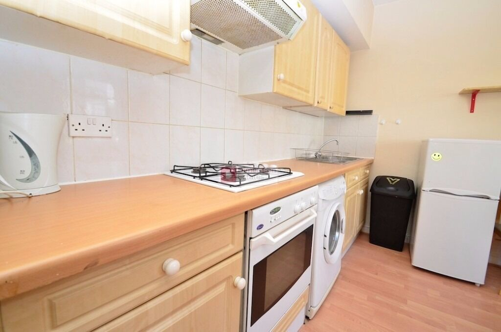 Hackney E9 ----- Fantastic 1 Bed Apartment ---- INCLUDES WATER RATES ----- £254pw ---- E9 6QU ---