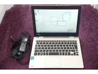 Toshiba Laptop. SSD, Wifi, Webcam. HDMI. USB3, Office, Stereo Speakers, Huge Batt Life, Lightweight.
