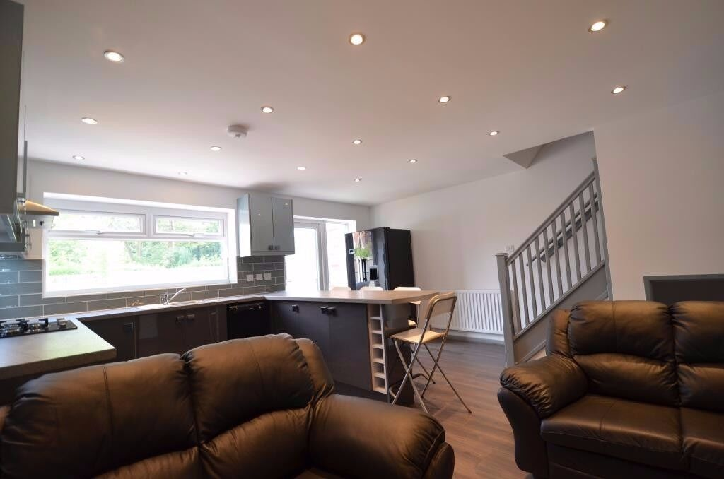 Superior 4 Double Bedroom, 2 Bathroom Student House, Selly Oak 2017 - 2018