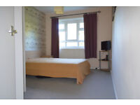 Large double room for rent, available immediately all bills Inc. Must see!! Zone 2 . SW15 1HU
