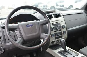 2010 Ford Escape XLT London Ontario image 11