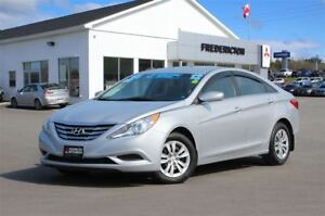 2012 Hyundai Sonata GL!! AIR! HEATED SEATS!