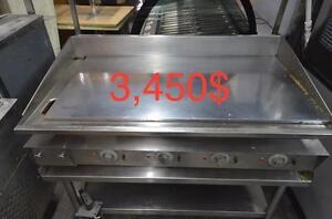 Plaque Miraclean 48'', congélateur 2 portes vitrés, machine à glace 350 lbs
