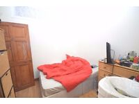 Double Room to rent in Newton Road, Stratford, E15