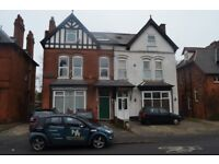TWO BEDROOM FLAT*FIRST FLOOR **WOODSTOCK ROAD*EASILY ACCESSIBLE TO MOSELEY VILLAGE AND LADYPOOL ROAD