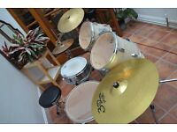 Dragon Drum Kit in used but GOOD condition
