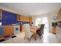 Woodlands Crescent - A fantastic three double bedroom two bedroom town house to rent