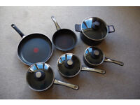 Set of six pots and pans, Tefal brand, great condition!