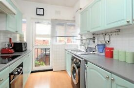 Willesden - 3 Bed Flat for Rent - Storage - Near Willesden Green Jubilee Line Station -Available Now
