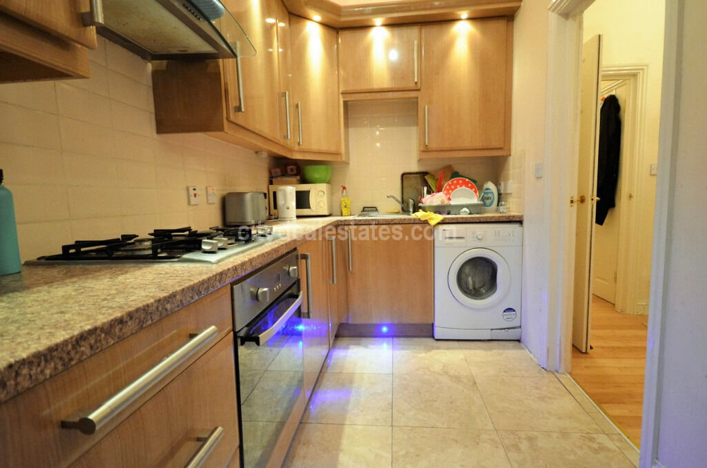 W3: Luxury 2/3 Bedroom Flat 1st floor in Acton