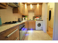W3: Luxury 2/3 Bedroom Flat 1st floor in Acton