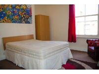 DOUBLE Large HIGH CEILING Room In Fully Furnished Victorian Town House & FREE WIFI 1 Min To Centre!!