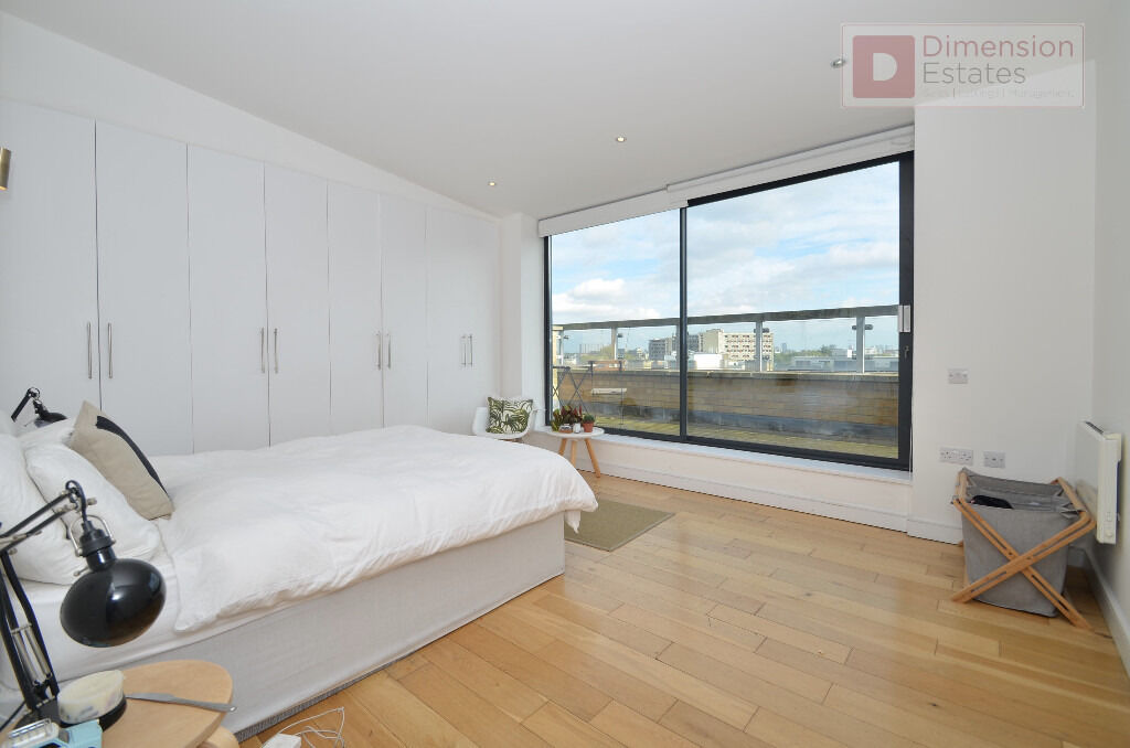 Beautiful 2 Bed + 2 Bath Apartment With Two Terraces In Hoxton, Dalston, E2 - Available Now!!
