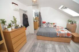 Large Double en-suite room in a in Penge/Crystal palace Bills Included £850pcm