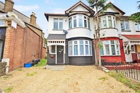 4 bedroom house in High Road, Chadwell Heath, RM6