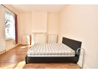 EXTRA LARGE & LARGE ROOMS - Available NOW NEAR STARTFORD westfield shopping center