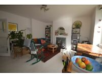 2 bed ground floor apartment with communal garden Finsbury Park/Highbury N4 available mid April