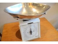 Retro kitchen scales (large) £15