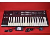 Korg R3 Synthesizer £340