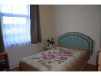 Beautiful double room available in Ilford