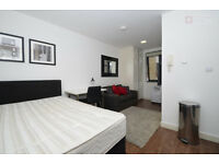 Fantastic Studio Apartment in Aldgate, Tower Hill, E1 - Available Now!