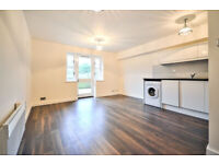 W3: Recently refurbished One Double Bedroom Flat with Private Garden and Allocated Parking