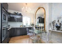 A stunning 3 bed Victorian conversion flat, Wandsworth Bridge Road, SW6. Contact 020 3486 2290.