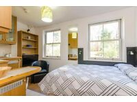 Hampstead - Sunny and Bright Studio Flat £300 All Utilities Included //