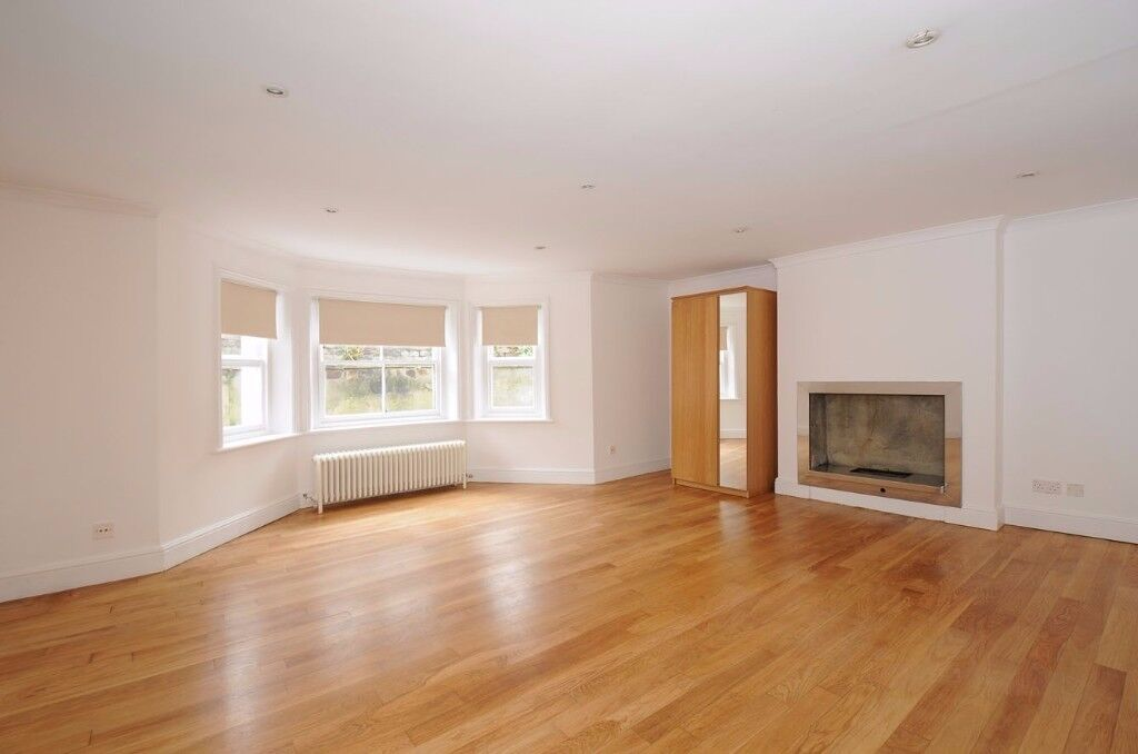 A fabulous one bed garden flat in Central Putney for rent boasting a wealth of modern living space