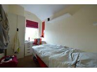 AMAZING BEDROOM IN CENTRAL/EAST LOCATION - HACKNEY - BILLS INCLUDED