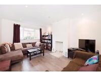 2 Bed Flat to Rent - Double Bedrooms - Private Entrance - Communal Garden - Available October
