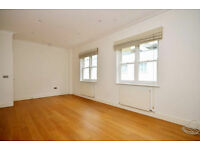 Delightful 3 double bedroom, 2 bathroom Mews House in W2. Short distance to Paddington/Marble Arch.